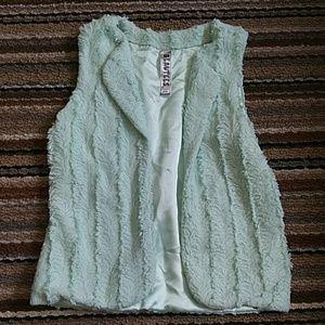 BEAUTEES faux fur mint women's girls vest sz. L14